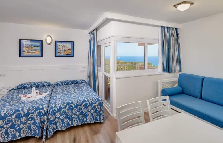 Hyb Eurocalas by Garden Hotels - Room - 17