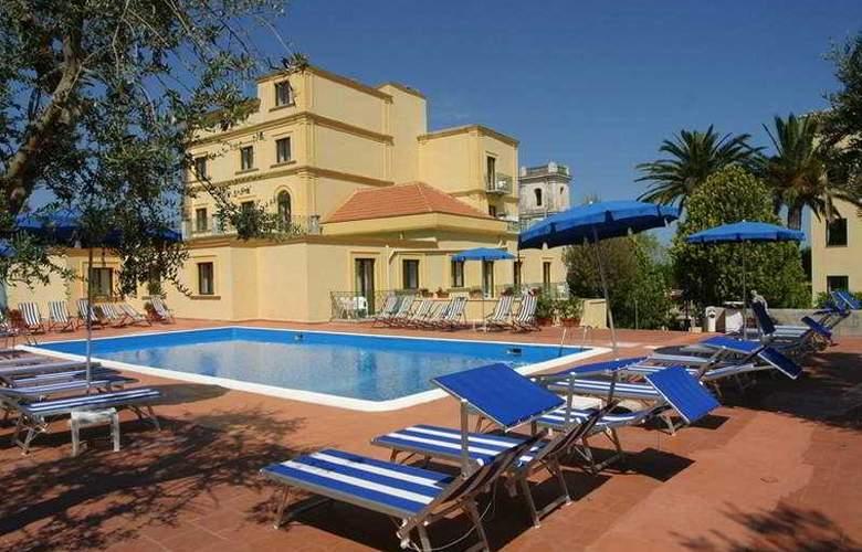 Villa Igea - Pool - 5