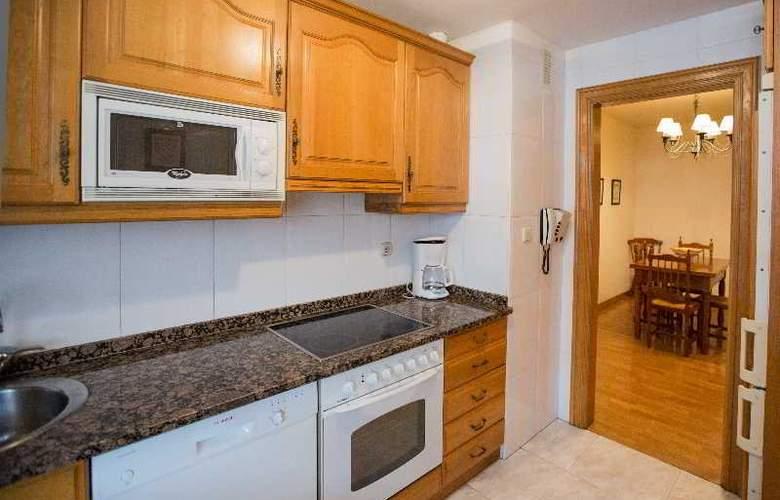 Apartamentos Gestion de Alojamientos - Room - 15