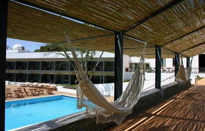 Hotel São Domingos - Terrace - 9