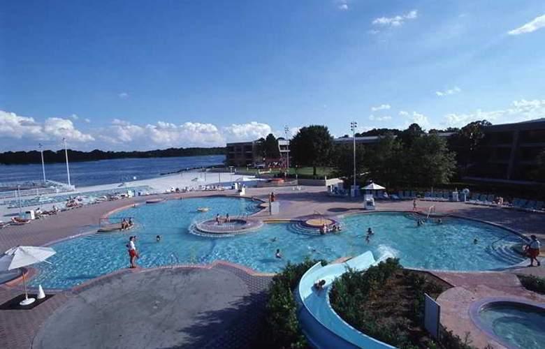 Disney's Contemporary Resort - Pool - 7
