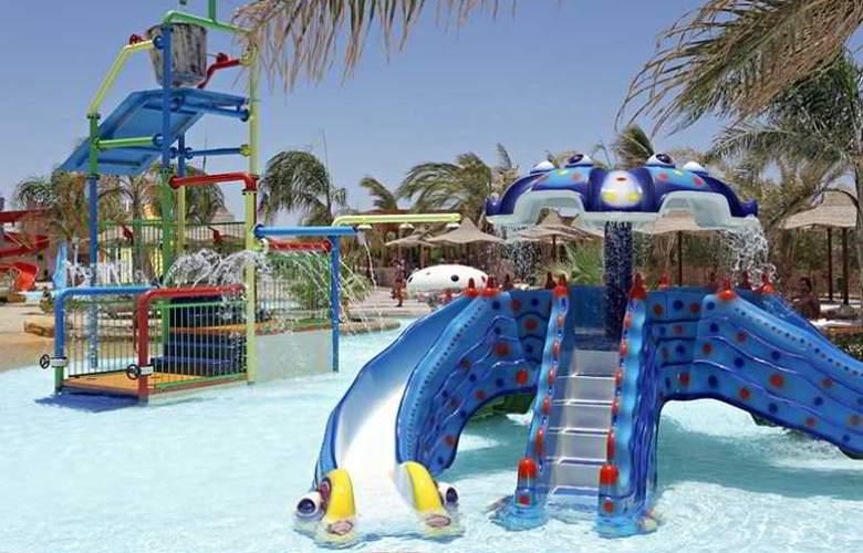 Three Corners Sea Beach Resort - Pool - 23