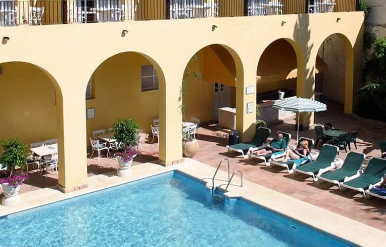 Sercotel Monasterio San Miguel - Pool - 2