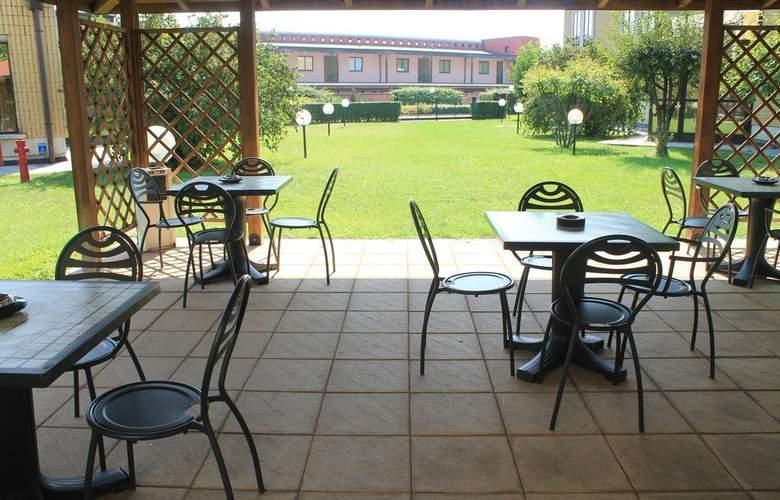 Best Western Mirage Hotel Fiera - Terrace - 7