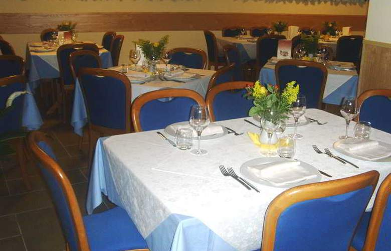 Costa Hotel - Restaurant - 9