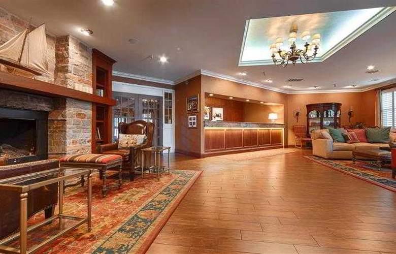 Best Western Plus White Bear Country Inn - Hotel - 43