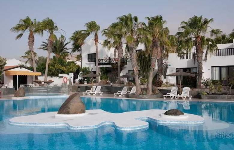 Bahia Calma Beach - Pool - 3
