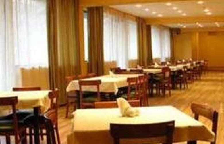 Varazi - Restaurant - 6