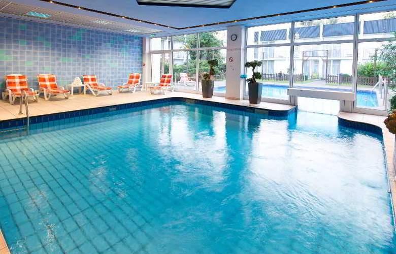 Holiday Inn Düsseldorf Airport-Ratingen - Pool - 4