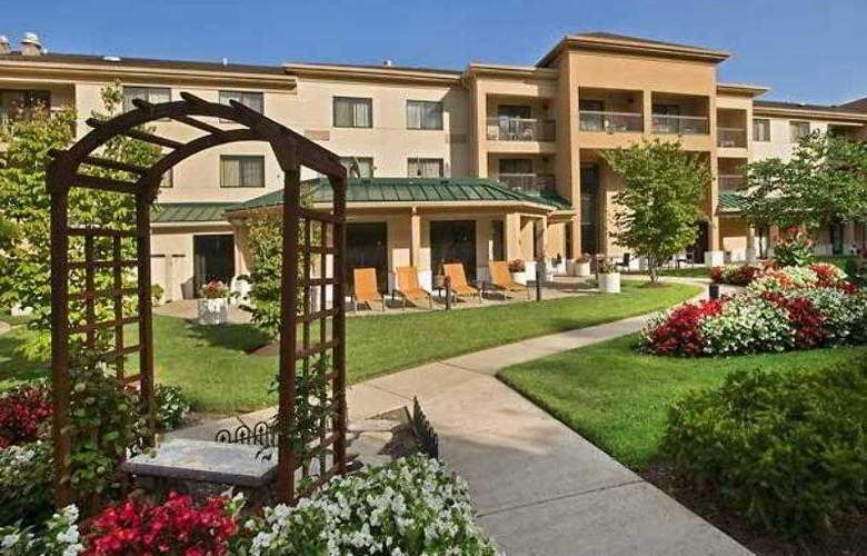 Courtyard Parsippany - Hotel - 11