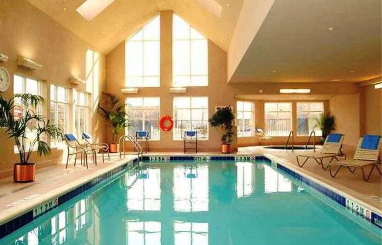 Residence Inn by Marriott Toronto Airport - Pool - 5