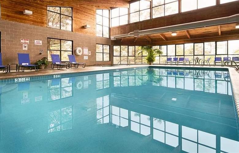 Best Western Plus Agate Beach Inn - Pool - 85