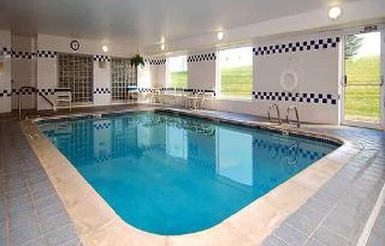 Comfort Suites Denver West/Federal Center - Pool - 5