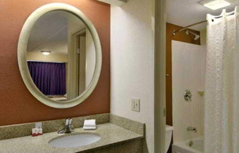 Red Roof Inn Indianapolis North - Room - 5