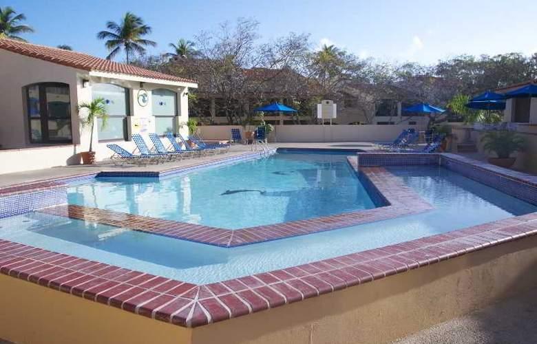 Park Royal Club Cala - Pool - 12
