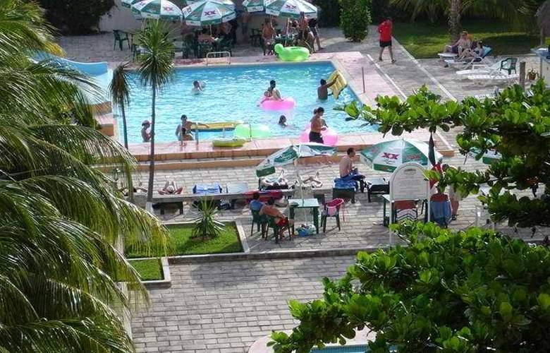 Calypso Hotel Cancun - Pool - 2