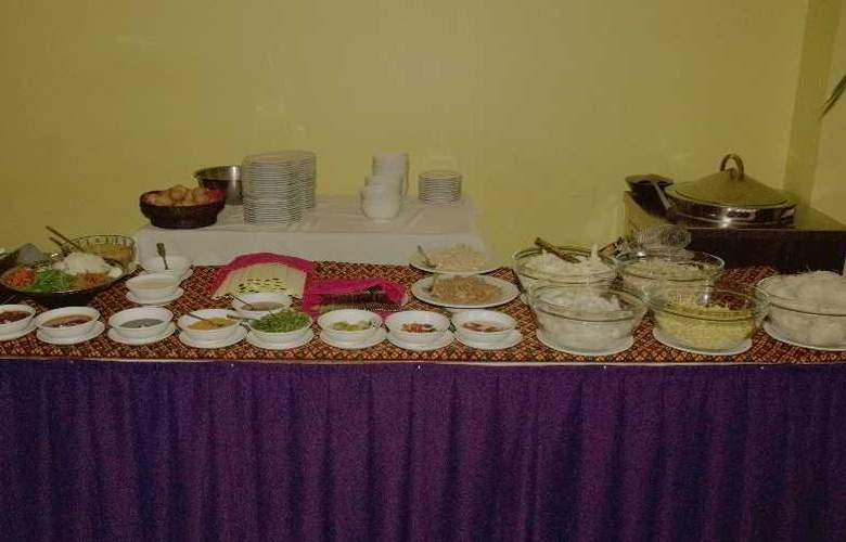 Royal Crown - Restaurant - 17