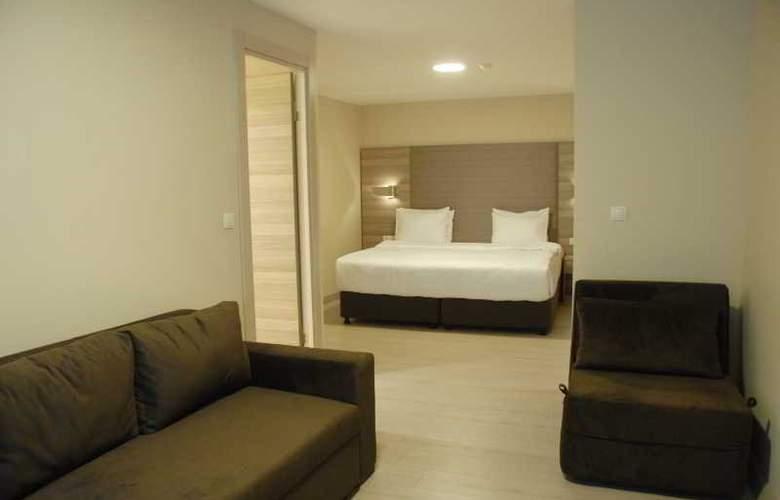 Comfort Beige - Room - 9