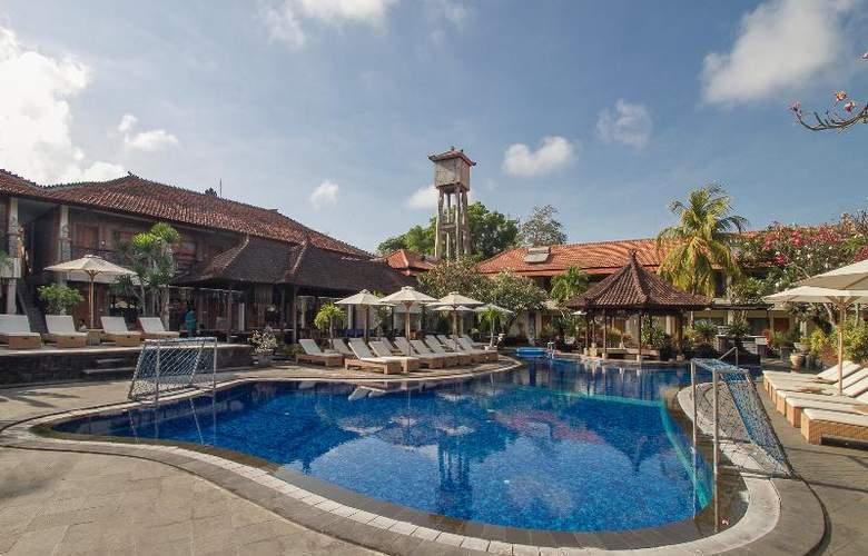 Sol House Kuta Bali - Pool - 19