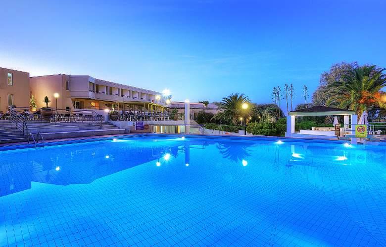 Santa Marina Beach - Pool - 5