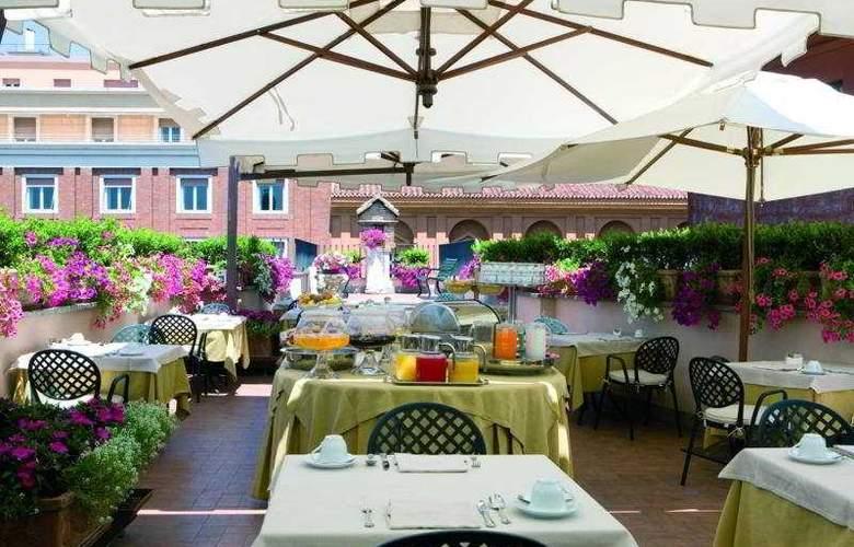 Hosianum Palace - Restaurant - 9