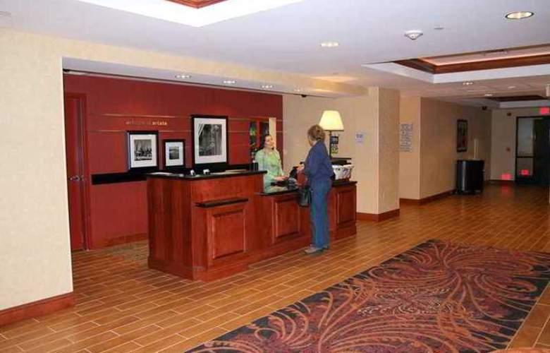 Hampton Inn & Suites Arcata - Hotel - 0