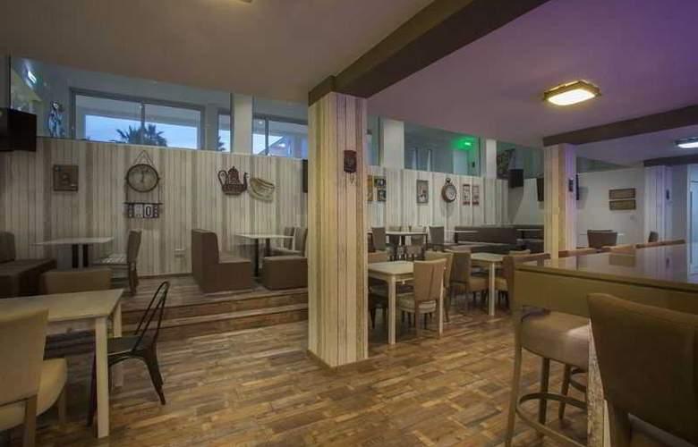Princessa Vera Hotel Apts - Restaurant - 4