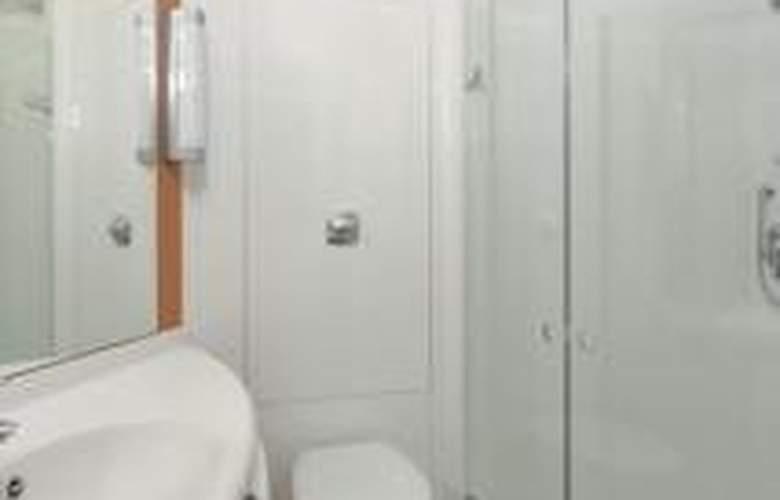 Ibis Belfast Queens Quarter - Room - 2