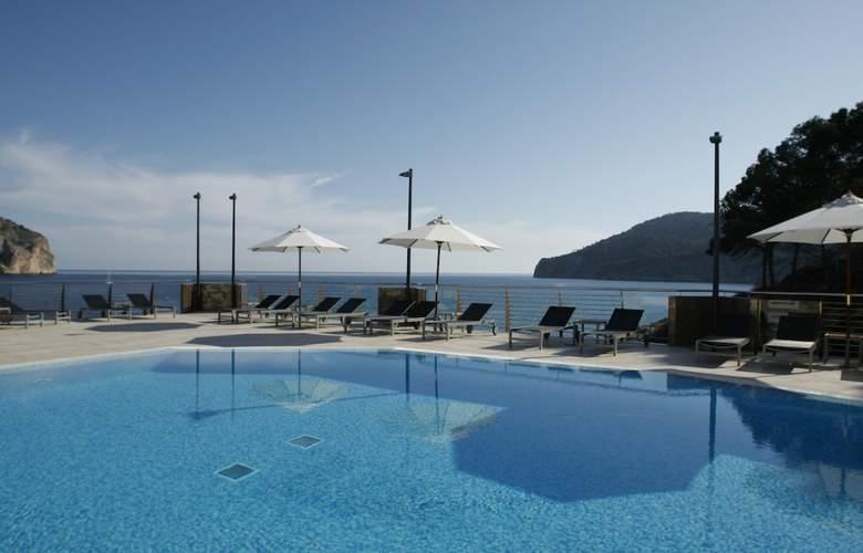 Cabau Bahia Camp de Mar Suites - Pool - 2