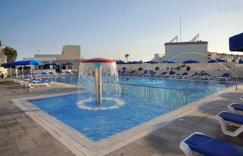 Euronapa Hotel Apartments - Pool - 9