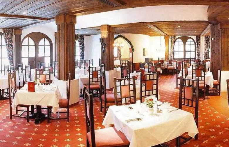Schlosshotel Rosenegg - Restaurant - 10
