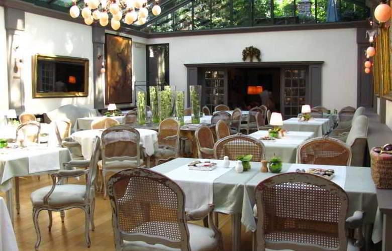 Manos Premier Hotel - Restaurant - 2