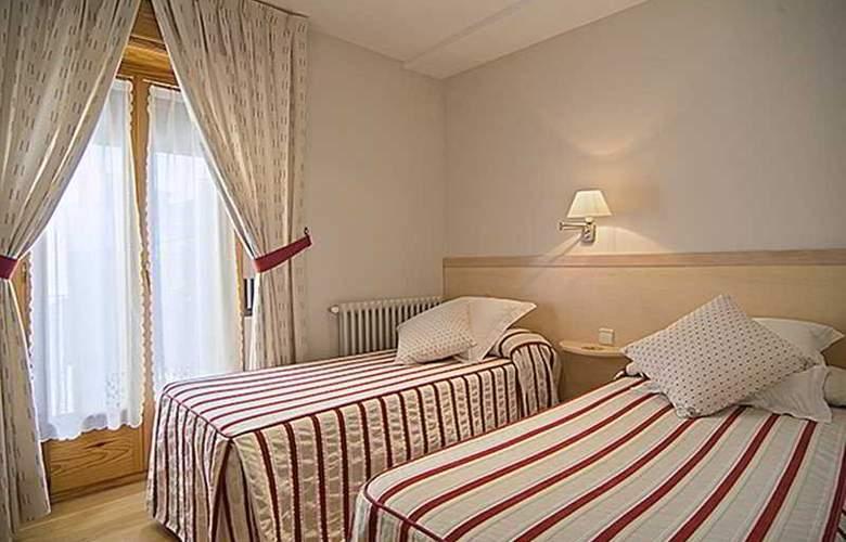Jaume - Room - 13