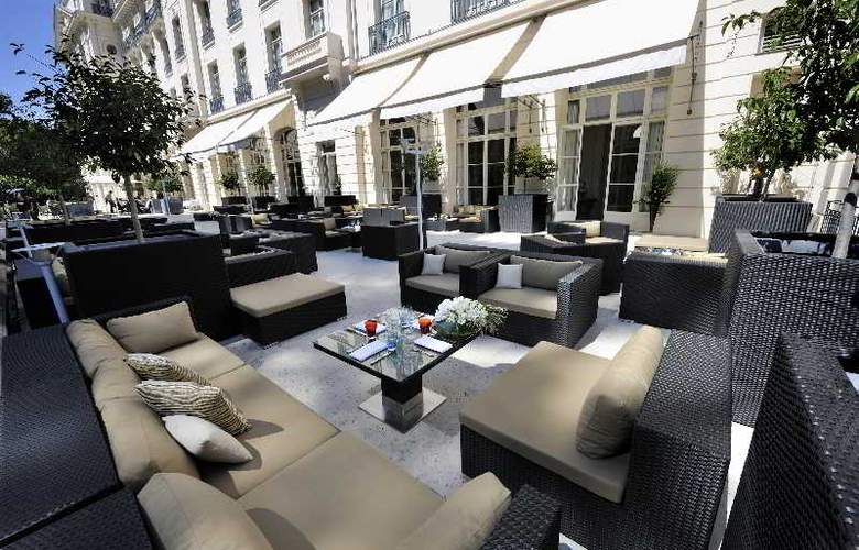 Trianon Palace Versailles, A Waldorf Astoria Hotel - Terrace - 23