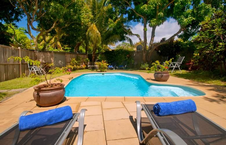 Gardens Retreat - Pool - 29