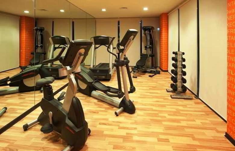La Quinta Inn & Suites Cancun - Sport - 9