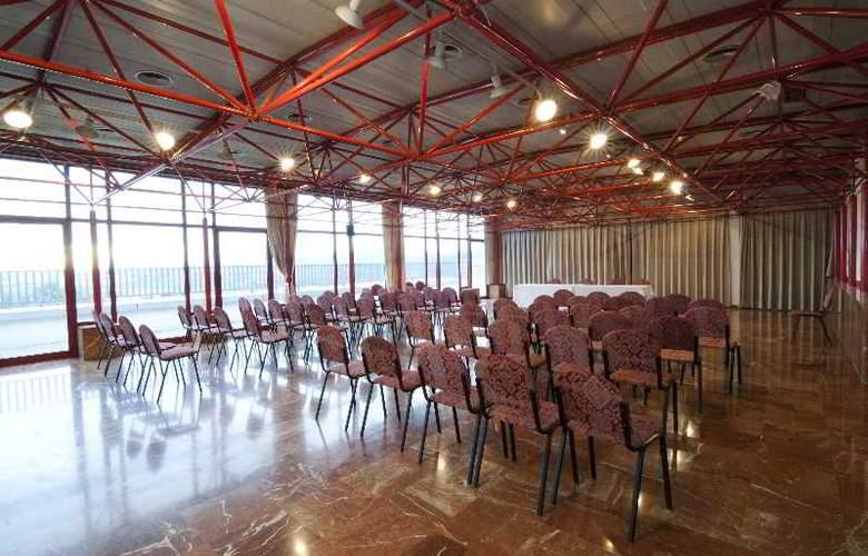 Domo - Conference - 17