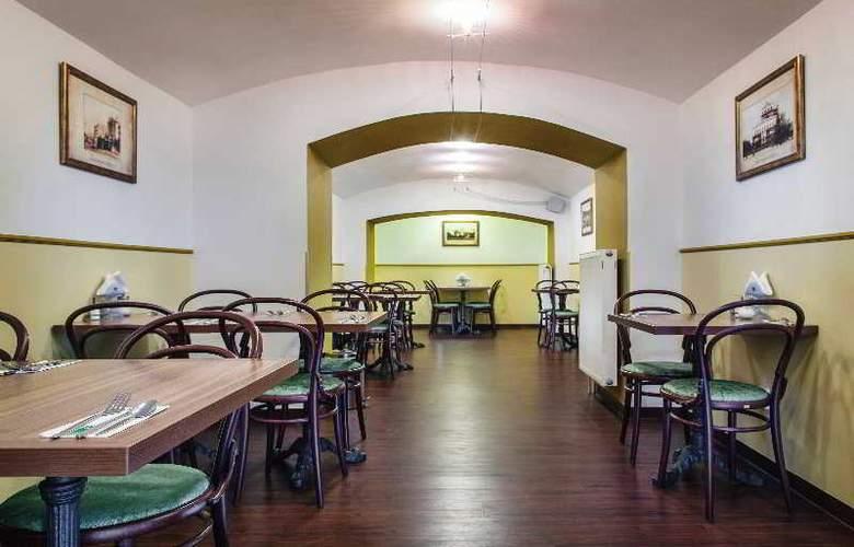 Taurus - Restaurant - 38