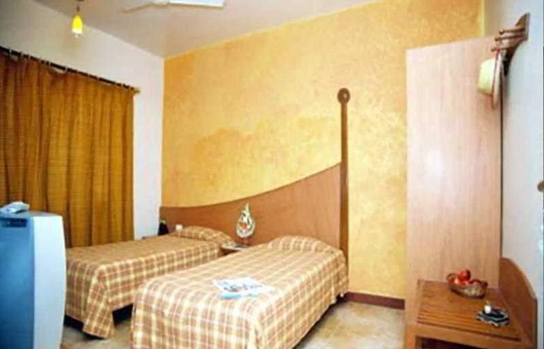 Royal Orchid Beach Resort & Spa - Room - 3