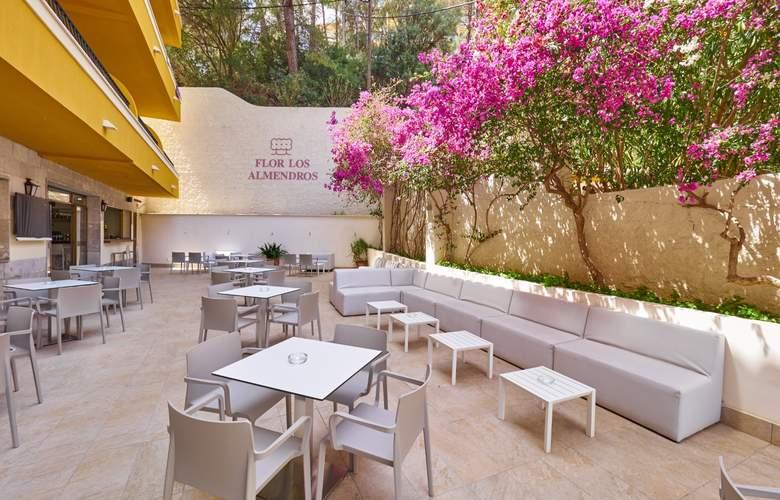 Flor Los Almendros Hotel - Bar - 20