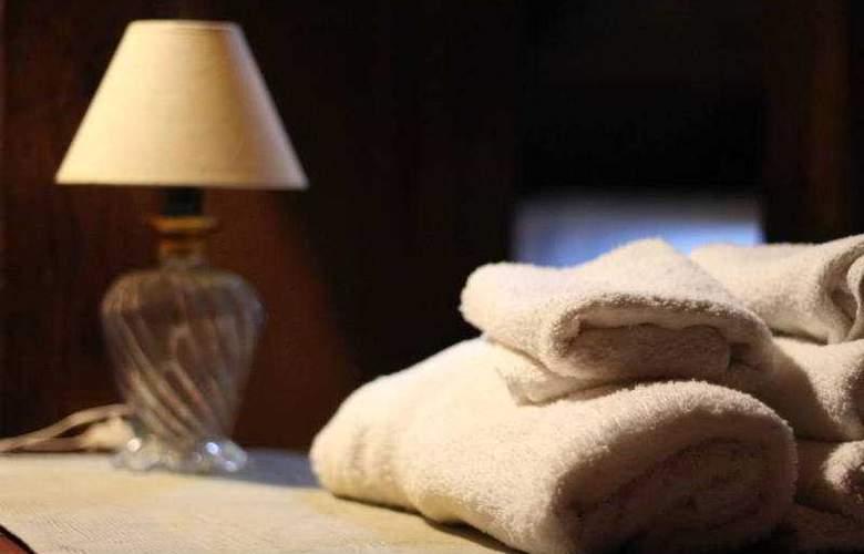 Efipoi Hotel - Room - 11