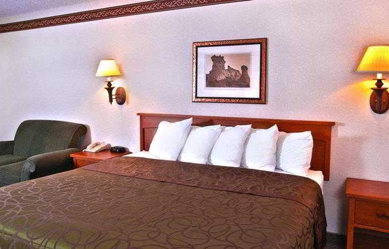Best Western Town & Country Inn - General - 3