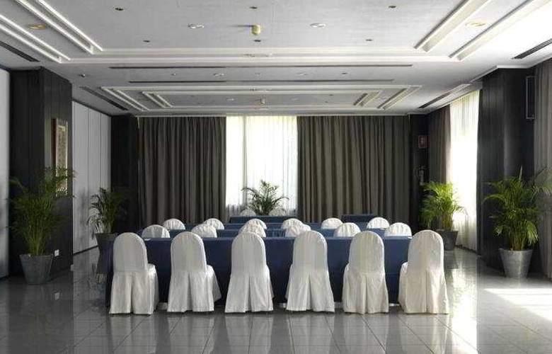 Intur Orange - Conference - 5