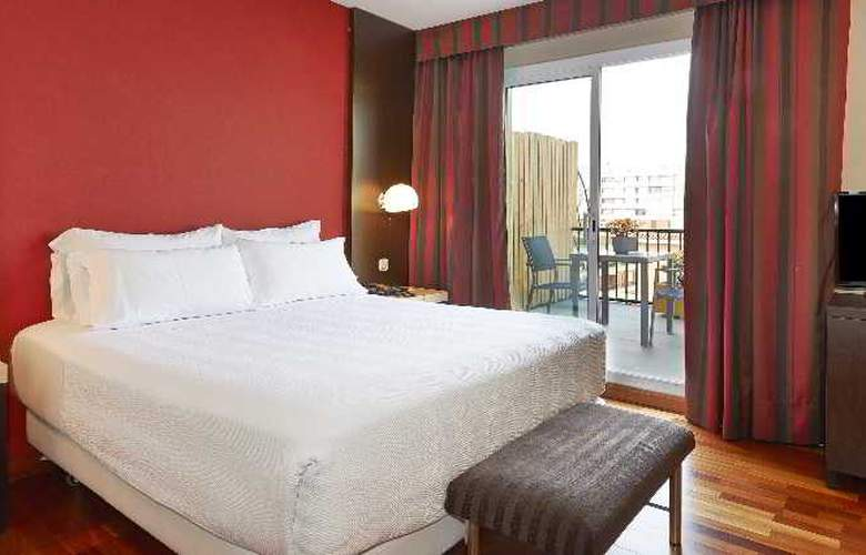 NH Barcelona Les Corts - Room - 3