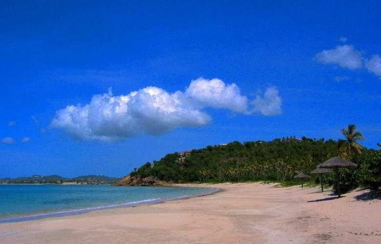 Coconut Beach Club - Beach - 8