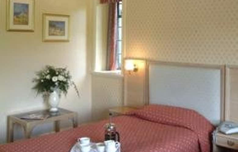 Inglewood Manor - Room - 6