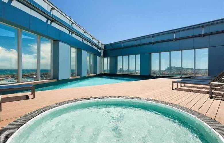 Novotel Barcelona City - Pool - 3