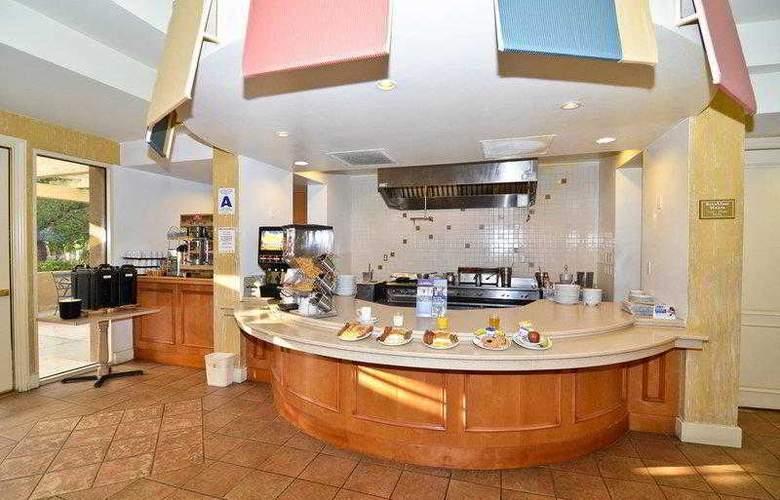 Best Western Plus Palm Desert Resort - Hotel - 17