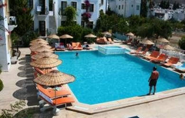 Alta Beach Hotel - Pool - 6