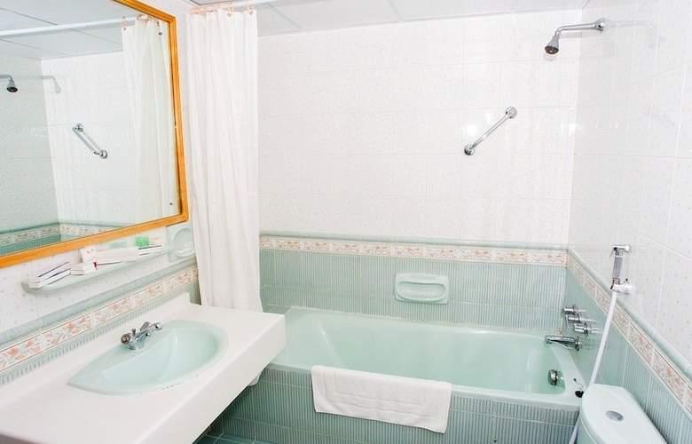 Safeer Hotel Suites - Room - 9